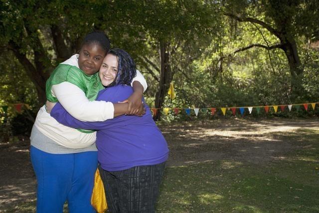Huge: Nikki Blonsky e Raven Goodwin nell'episodio Hello I Must Be Going