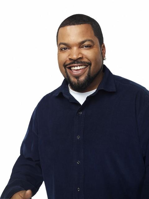 Ice Cube in una foto promozionale della serie Are We There Yet?
