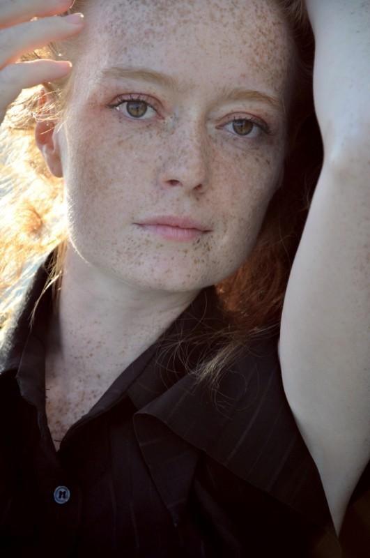 Primo piano dell'attrice Elisabetta Perotto (foto Marco Giraldi)