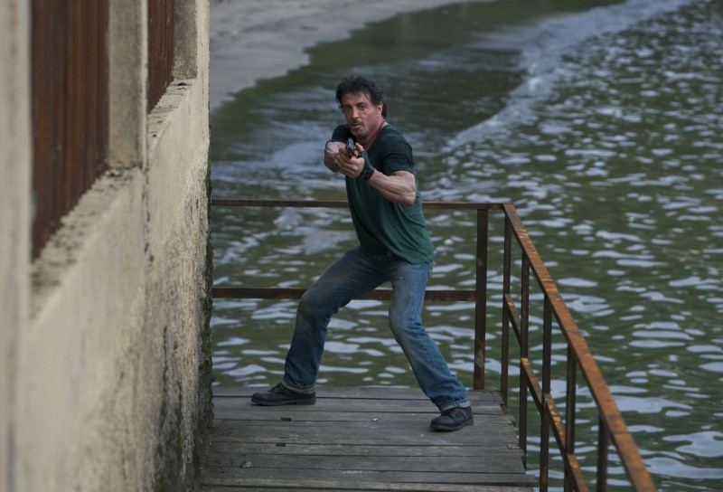 Sylvester Stallone dirige e interpreta The Expendables