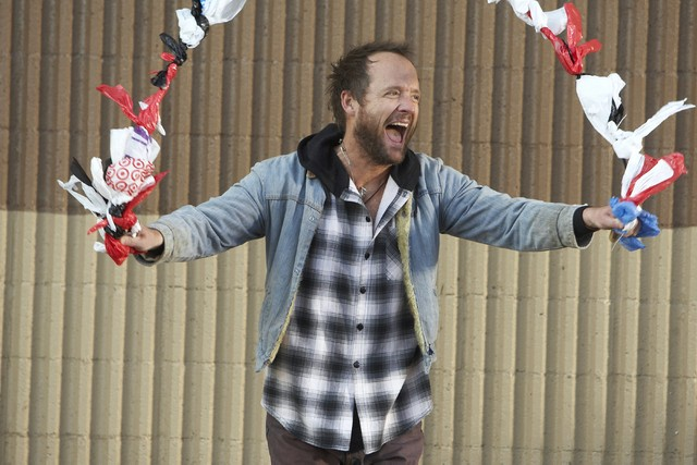 The Big C: John Benjamin Hickey in una scena del pilot della serie