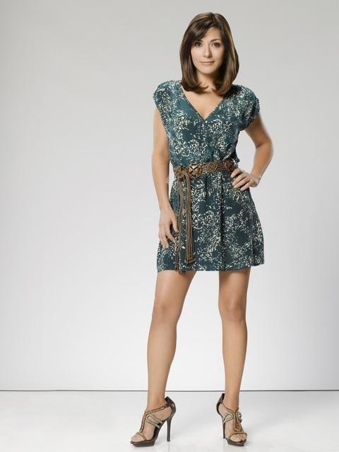 The Gates: Marisol Nichols è Sarah Monahan in una foto promozionale della serie