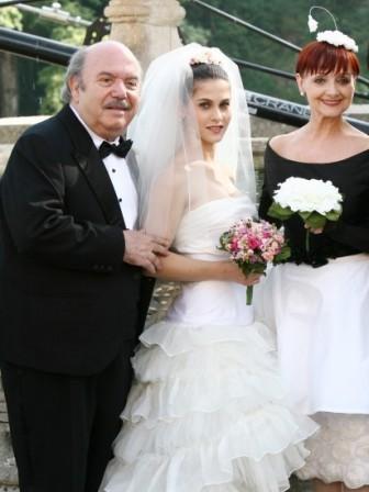Tresy Taddei è la moglie di Ciccio Martini in Un medico in famiglia. Accanto a lei Lino Banfi e Milena Vukotic