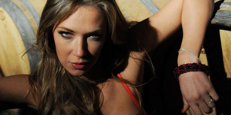 Ludmila Radchenko nel film Backward