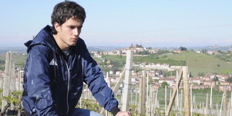 Mattia Cividati in una scena del film Backward