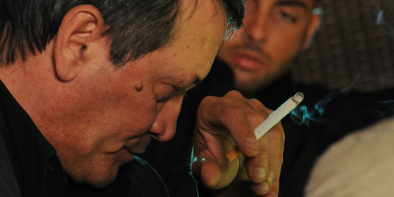 Tony Sperandeo nel film Backward