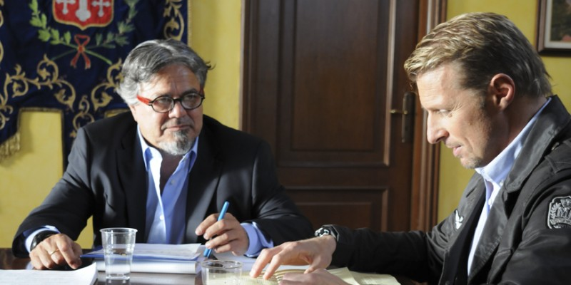 Ugo Conti e Max Bertolani in una scena del film Backward