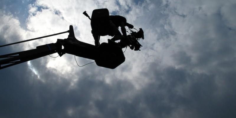 Un'immagine dal set del film Backward