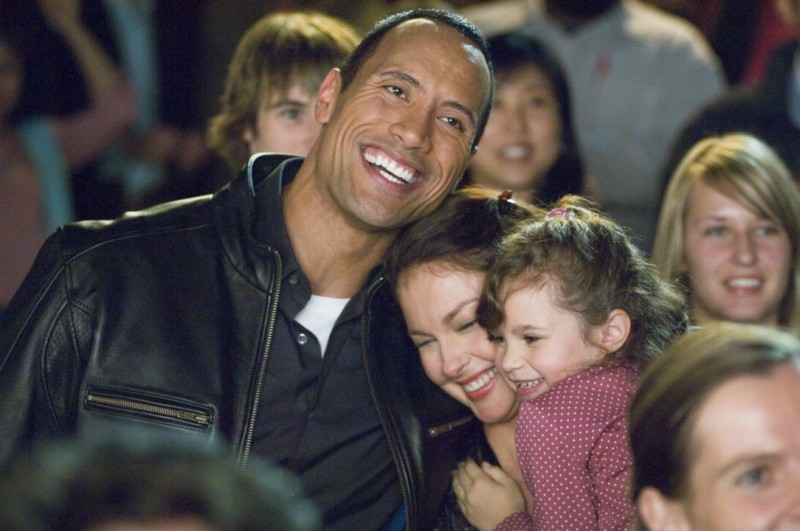 Ashley Judd e Dawyne Johnson in un'immagine del film The Tooth Fairy