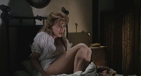 Erika Blanc in una sequenza dell'horror Operazione paura (1966)