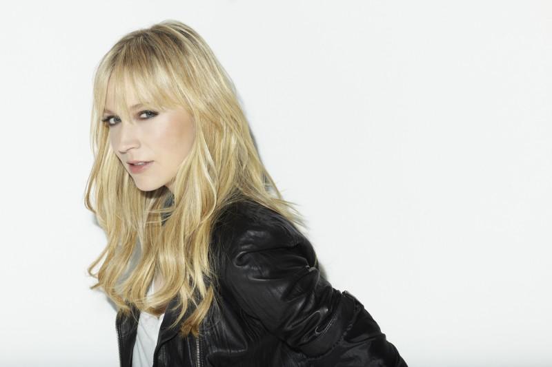 Leverage: Beth Riesgraf in una immagine promozionale della stagione 3 della serie