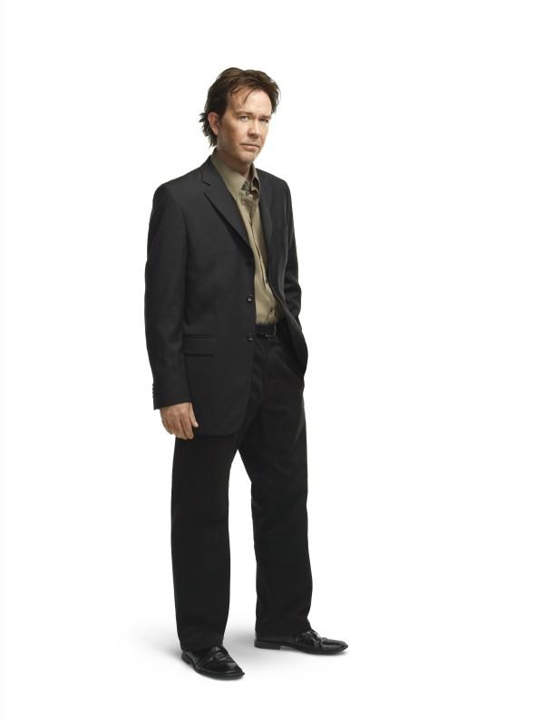 Leverage: Timothy Hutton in una immagine promozionale della stagione 3 della serie