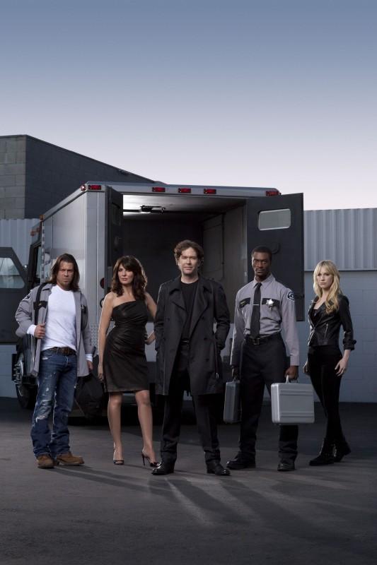 Una foto promozionale del cast della stagione 3 di Leverage
