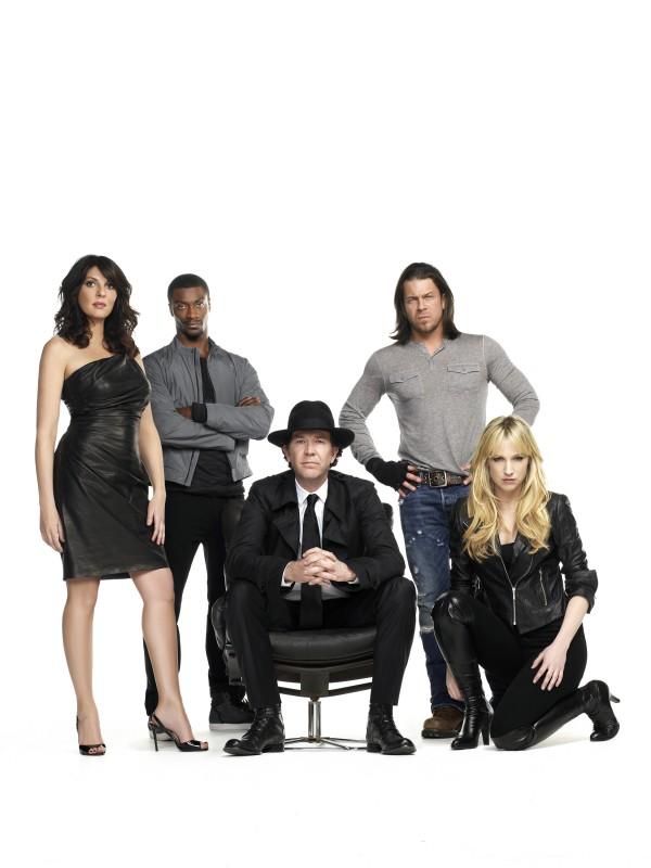 Leverage: Una foto promozionale del cast della stagione 3 della serie
