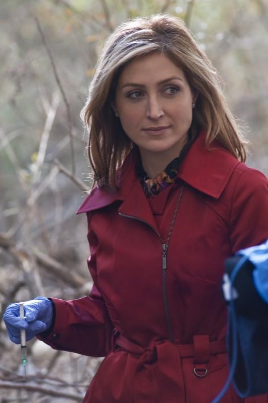 Sasha Alexander in una scena della serie Rizzoli & Isles