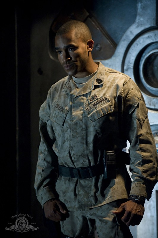 Il Sergente Greer (Jamil Walker Smith) in: Subversion di Stargate Universe