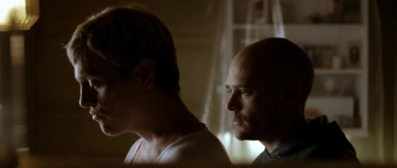 Thure Lindhardt e David Dencik in una scena del film Brotherhood
