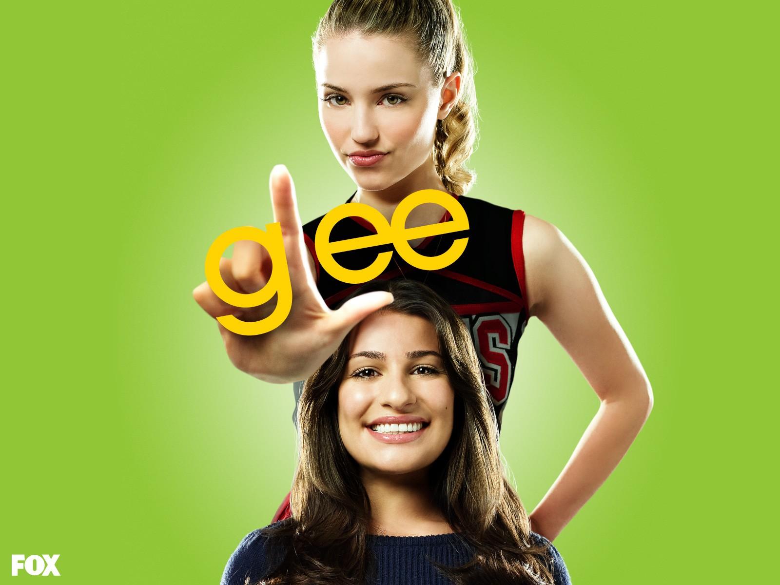 Un wallpaper con Dianna Agron e Lea Michele per la 1stagione di Glee