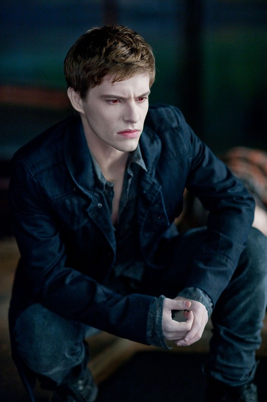 Xavier Samuel interpreta Riley in una scena del film The Twilight Saga: Eclipse