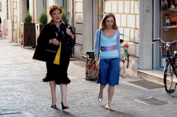 Fioretta Mari e Camilla Ferranti in una scena del film Alice