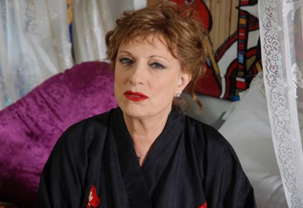 Fioretta Mari nel ruolo di madre nel film Alice