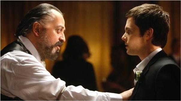 Tom Riley in una scena della commedia Indovina chi sposa Sally
