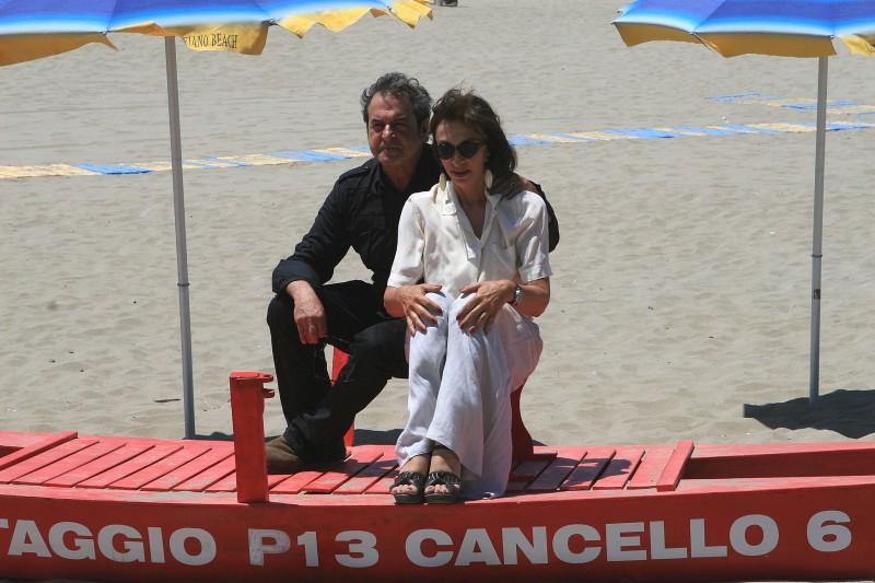 Ennio Fantastichini e Anna Bonaiuto sul set film Tutti al mare