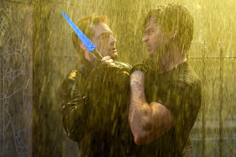 Callum Blue e Tom Welling si scontrano nell'episodio Salvation di Smallville