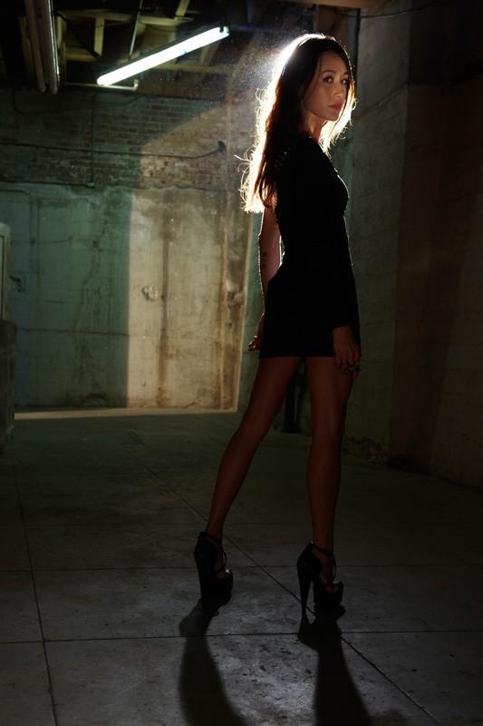 Una foto promo di Maggie Q per la prima stagione di Nikita