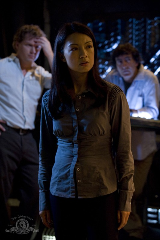 Camille (Ming-Na) in una sequenza dell'episodio Incursion: Part 1 di Stargate Universe