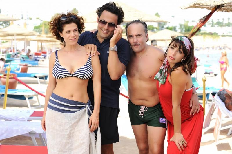 Cecilia Dazzi, Enrico Brignano, Maurizio Casagrande ed Elena Russo sul set della commedia Sharm El Sheikh - Un'estate indimenticabile