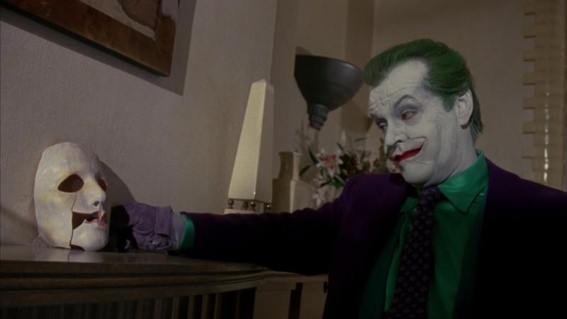 Jack Nicholson è il Joker in una scena del film Batman di Tim Burton