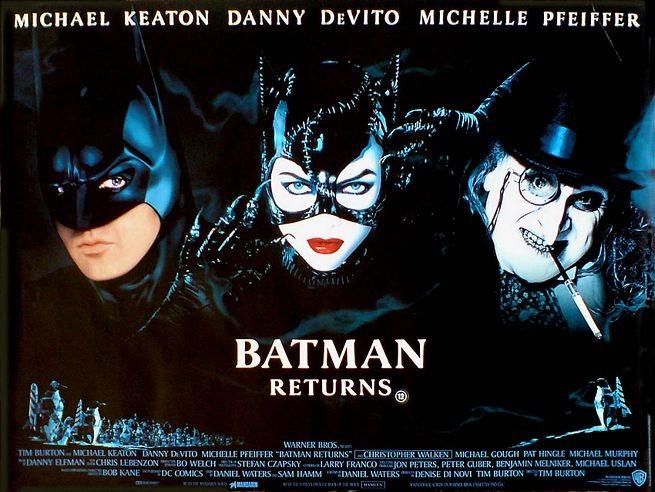 Michael Keaton con Michelle Pfeiffer e Danny DeVito in una lobby card del film Batman - il ritorno
