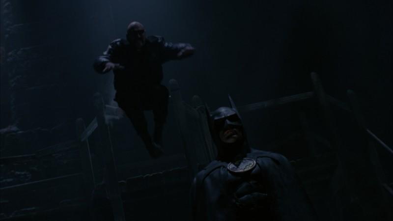 Michael Keaton è il protagonista in una scena del film Batman (1989)