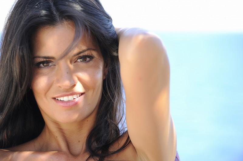 Primo piano di Laura Torrisi dalla commedia Sharm El Sheikh - Un'estate indimenticabile