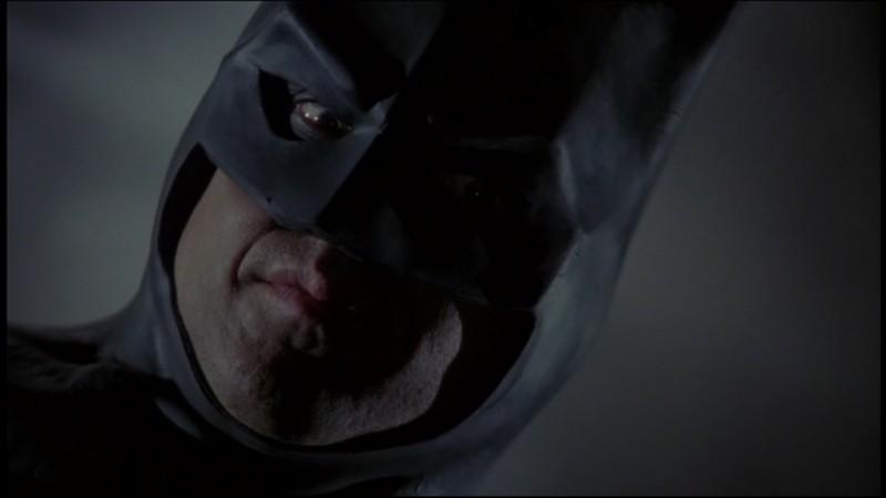 Primo piano di Michael Keaton nel film Batman di Tim Burton