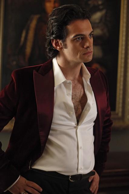 Theo Alexander in una scena della stagione 3 di True Blood