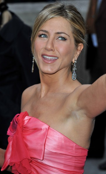 jennifer Aniston a una premiere a Parigi