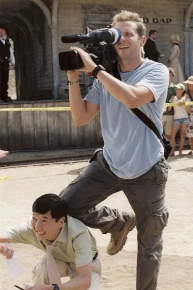 Bradley Cooper e Ken Jeong in una scena di All About Steve
