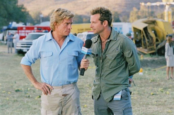 Thomas Haden Church e Bradley Cooper in una scena di All About Steve