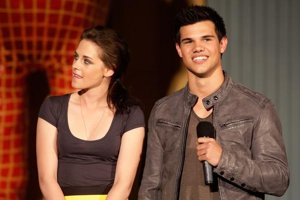 Kristen Stewart e Taylor Lautner a una sessione della Q&A