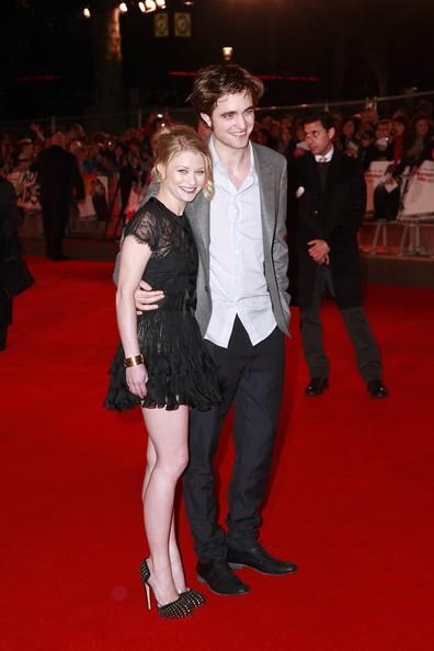 Robert Pattinson e Emilie de Ravin alla presentazione di Remember Me