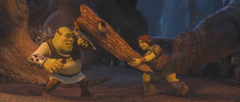 Shrek e l'amata Fiona si divertono nel film Shrek e vissero felici e contenti