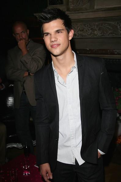 Taylor Lautner alla Soiree Ambassadeur a Parigi