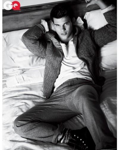 2010: Taylor Lautner in un servizio fotografico su GQ USA