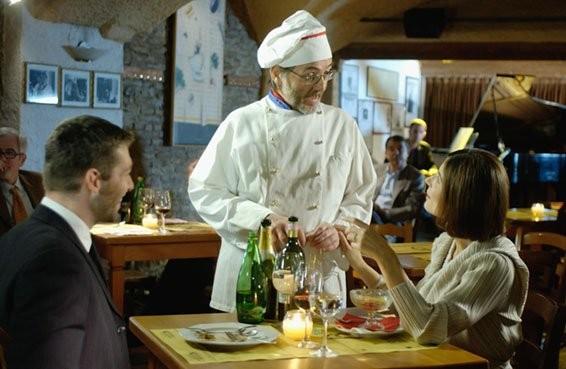 Aldo Sassi (Armando) con Chiara Muti (Adelaide) e Mirko Rizzotto (direttore del carcere) nel film Goodbye Mr.Zeus!
