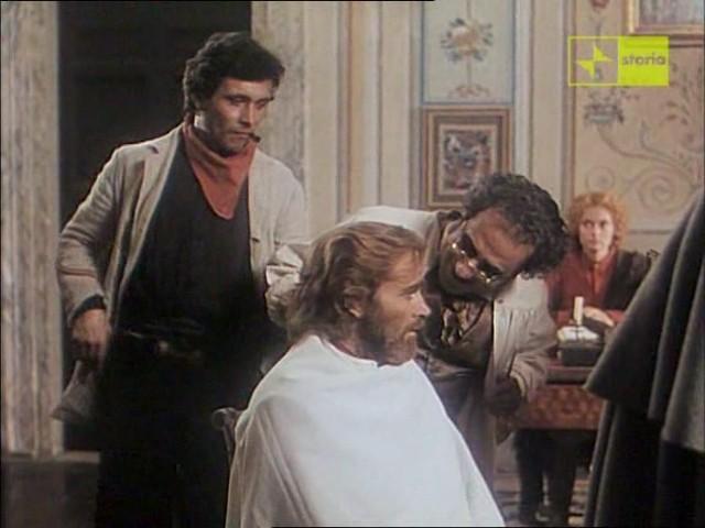 Antonio Orfanò accanto a Franco Nero in Garibaldi The General, regia di Luigi Magni