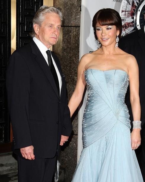 Catherine Zeta-Jones con suo marito Michael Douglas ai Tony Awards 2010