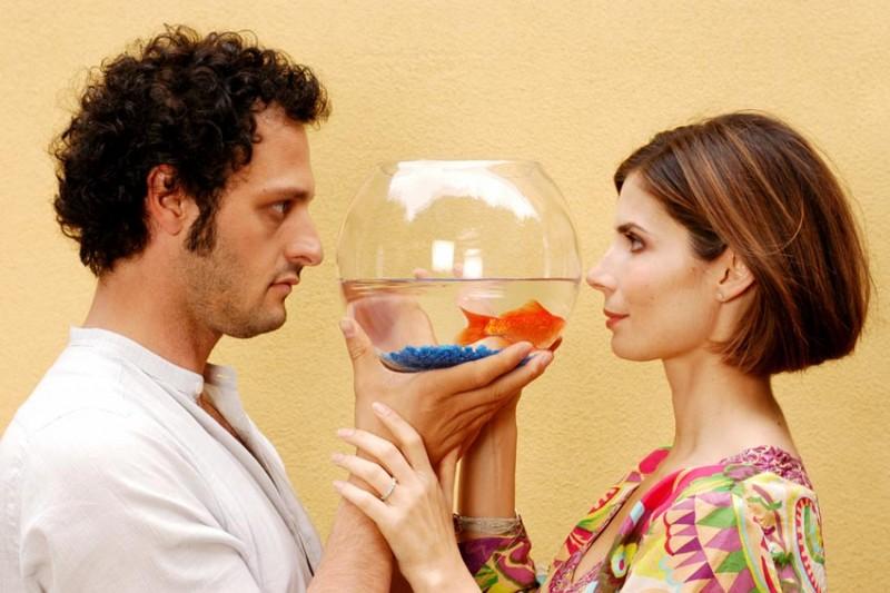 Fabio Troiano e Chiara Muti in un'immagine promozionale di Goodbye, Mr. Zeus!