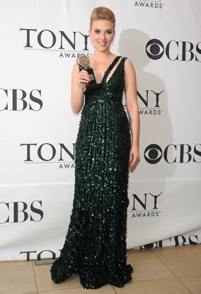 Scarlett Johansson premiata ai Tony Awards 2010
